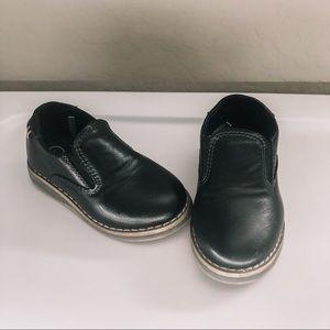CAT & JACK Slip on toddler boys dress shoes
